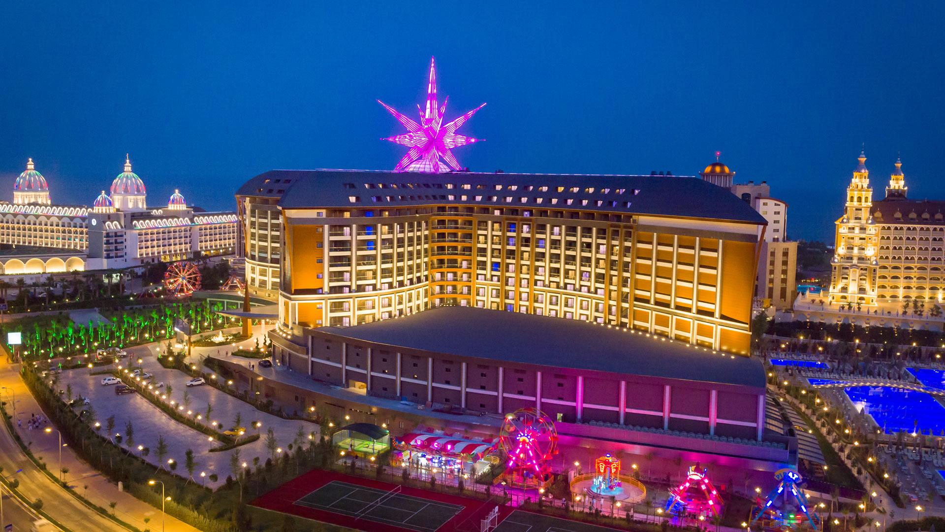 1-RoyalSeginus-Hotel-Kundu- (1)