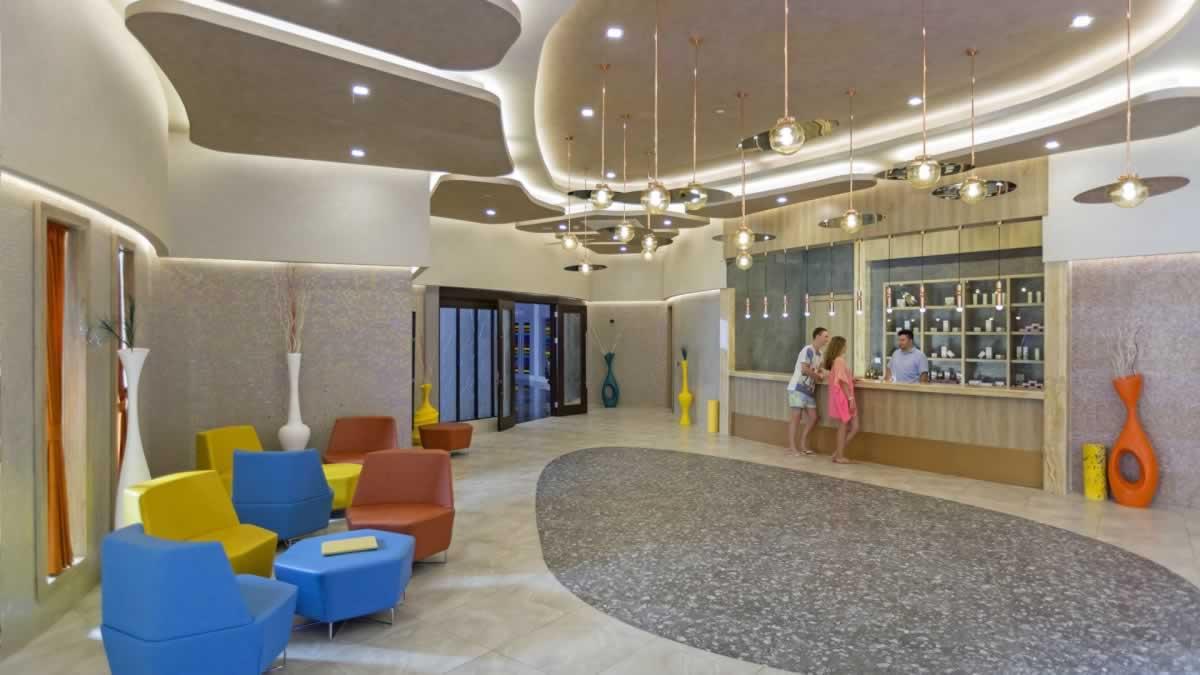 1-RoyalSeginus-Hotel-Kundu- (20)